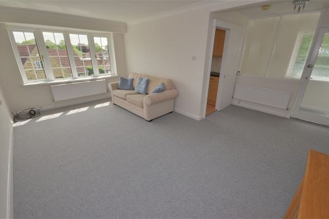 Thumbnail Flat to rent in The Uplands, Pontefract