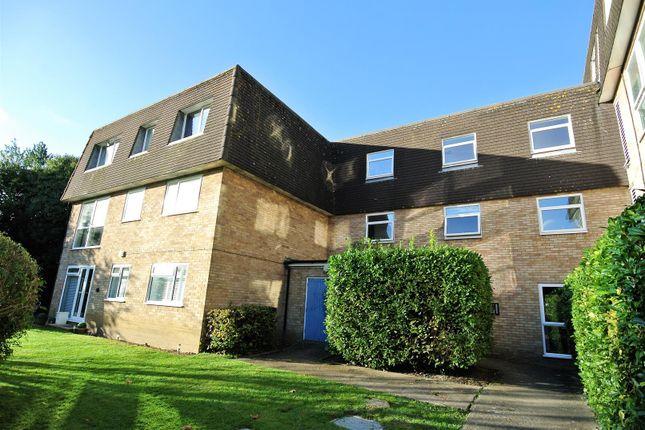 Thumbnail Flat for sale in Fairlawns, Addlestone Park, Addlestone