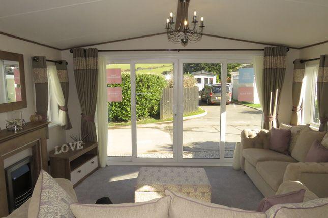 Thumbnail Mobile/park home for sale in Beaumont, Par Beach, Par