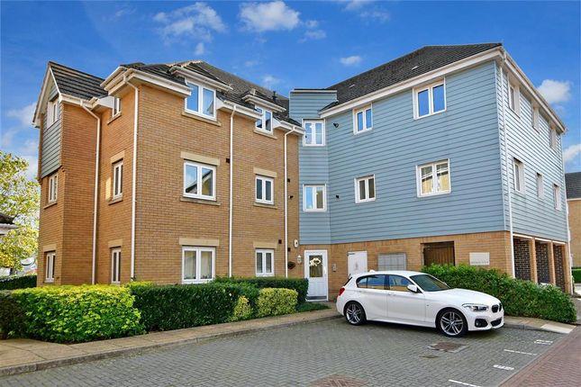 2 bed flat for sale in Sherwood Avenue, Larkfield, Aylesford, Kent ME20