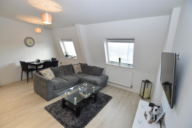Thumbnail Flat for sale in West Street, Dunstable