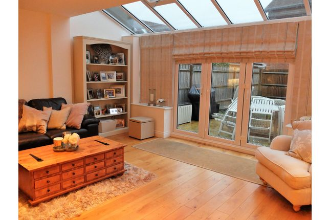 5 bed end terrace house for sale in Brookfield Drive, Horley