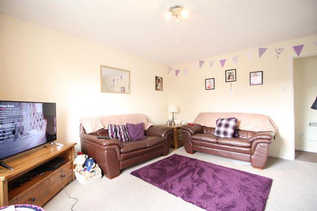 Thumbnail Flat for sale in Didcot Close, Shrewsbury