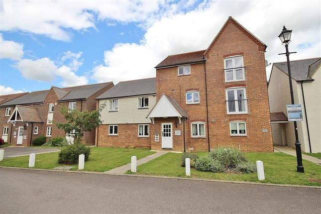 Flat to rent in Marina Way, Abingdon-On-Thames