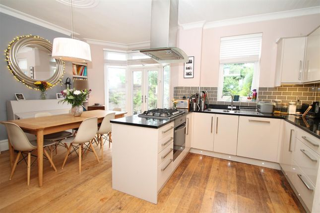 Thumbnail Property to rent in The Crest, London