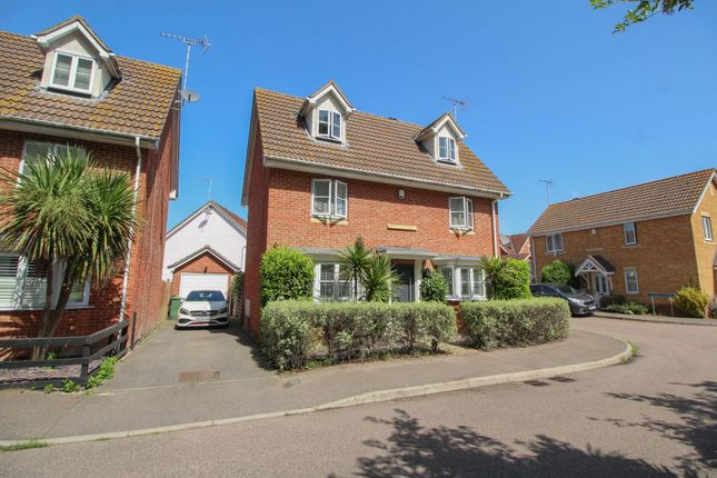 4 bed town house for sale in Browning Drive, Wickford SS12