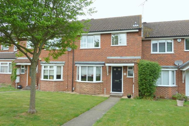 Thumbnail Semi-detached house for sale in Glendale, Swanley