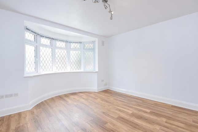 Thumbnail Bungalow to rent in Abercorn Road, Mill Hill