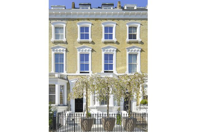 Thumbnail Property for sale in Glebe Place, Chelsea, London