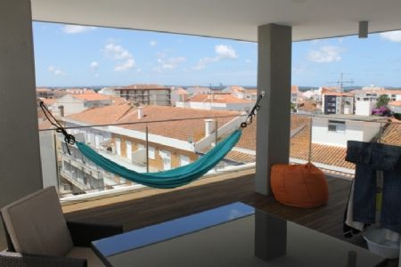 Image 1 4 Bedroom Apartment - Silver Coast, Caldas Da Rainha (Aa326)