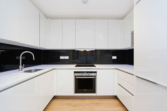 2 bed flat to rent in Trematon Walk, Trematon Building, Kings Cross N1
