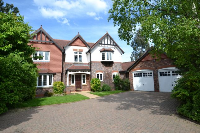 Thumbnail Detached house to rent in Queensbury Close, Wilmslow