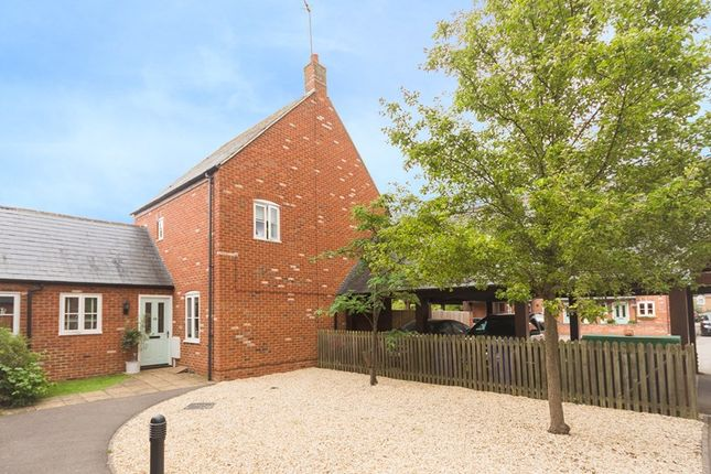 4 bed detached house for sale in Waverley Close, Kings Sutton, Banbury