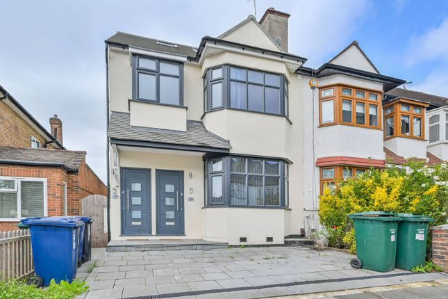 Thumbnail Flat to rent in Hale Grove Gardens NW7, Mill Hill, London,
