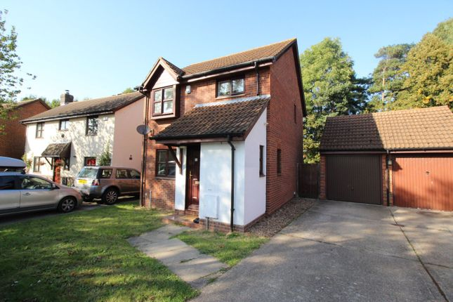 Thumbnail 3 bed detached house for sale in Whitecroft, Swanley, Kent