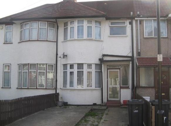Thumbnail Semi-detached house to rent in Hart Grove, Southall
