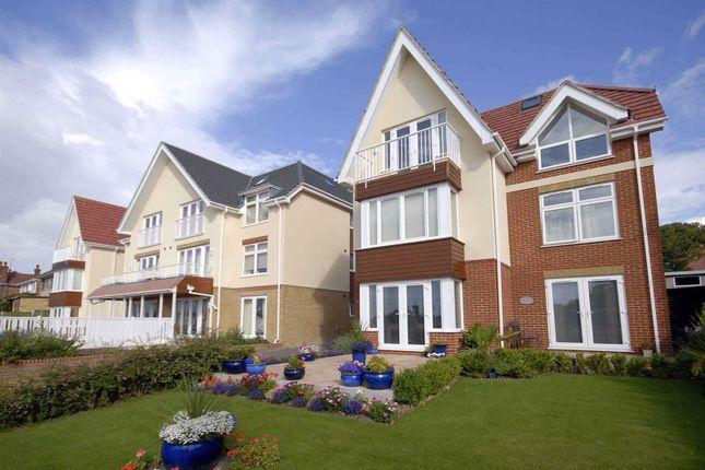 Thumbnail Flat to rent in Dumpton Park Drive, Broadstairs