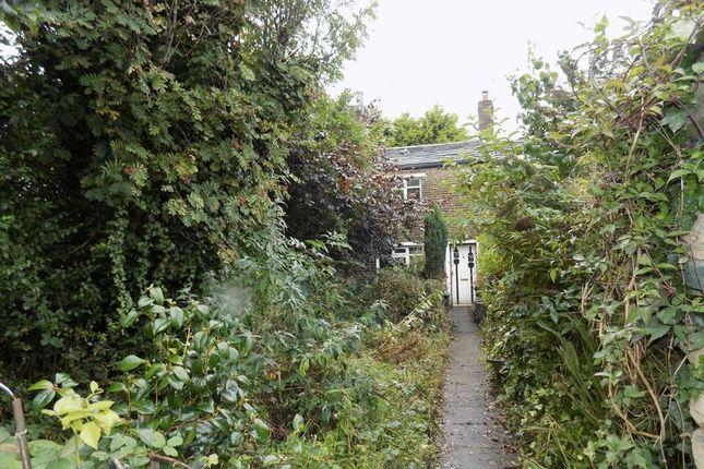 Garden of Farside Green, Bradford BD5