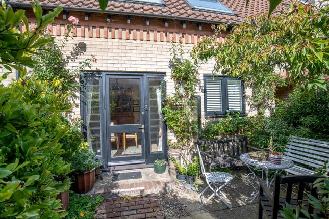 Thumbnail Property for sale in William Barnaby Yard, College Street, Bury St. Edmunds