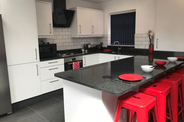 Thumbnail Property to rent in Derwentwater Terrace, Headingley, Leeds