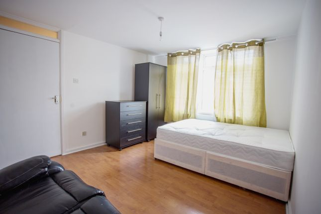 Room to rent in Atlas Road, Plastow, Startford, Cannery Wharf, Canning Town E13