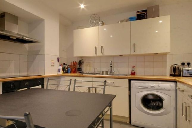 Thumbnail Flat to rent in Warwick Terrace, Lea Bridge Road, London