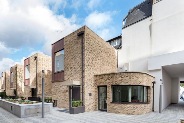 Thumbnail Flat for sale in St Pancras Place, King's Cross, London