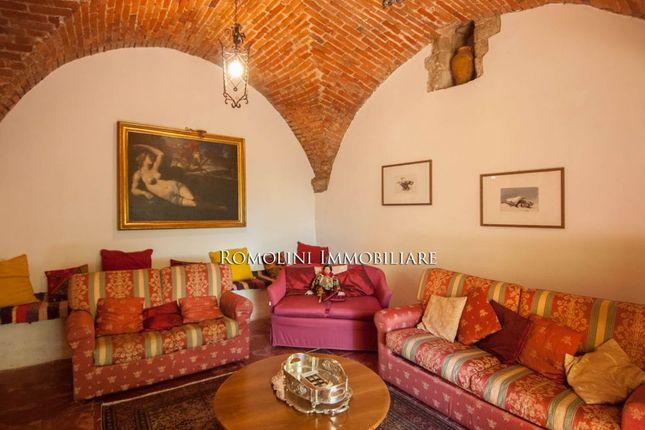 Countryside Liberty Villa For Sale In Arezzo, Tuscany