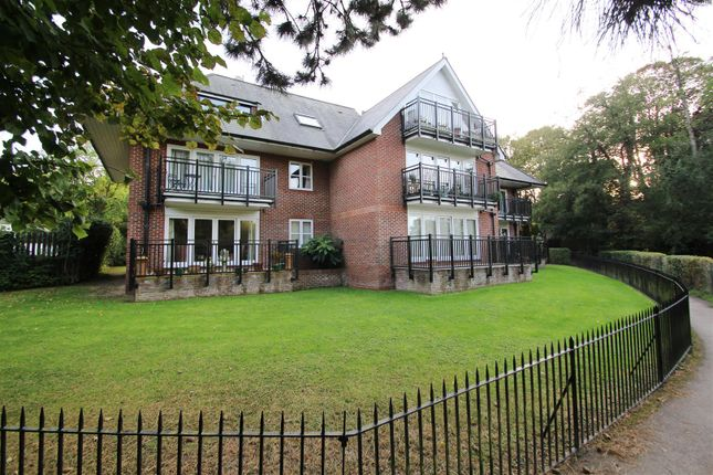 Thumbnail Flat to rent in The Wharf, Pangbourne, Reading