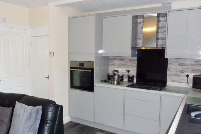 Kitchen of Summer Lane, Wombwell S73