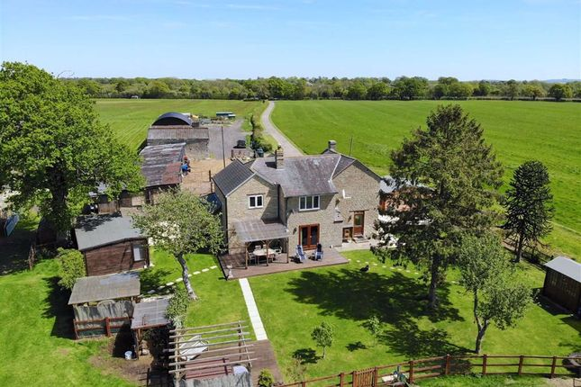 Thumbnail Farm for sale in Islip Road, Bletchingdon, Oxfordshire