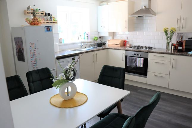 Thumbnail Maisonette to rent in Balmoral Drive, Wokng