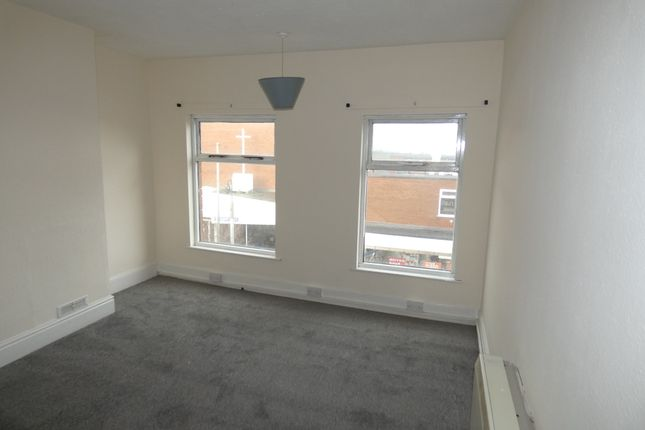 Thumbnail Maisonette to rent in Market Street, Heanor