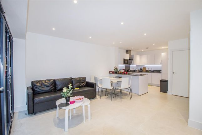 Thumbnail Town house to rent in Pipit Drive, Putney Rise, Putney