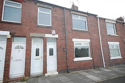 Thumbnail Flat to rent in Red House Road, Hebburn