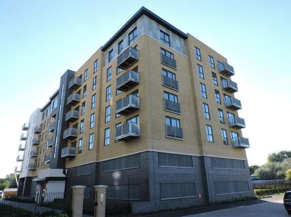Thumbnail Flat to rent in Jutland House, Little Brights Road, Belvedere, Kent
