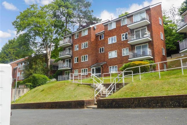 Thumbnail Flat for sale in Court Bushes Road, Whyteleafe, Surrey