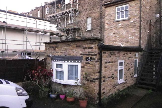 Thumbnail Flat to rent in West Crescent Road, Gravesend