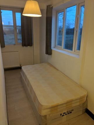 Room to rent in Stevenage Road, Ilford Redbridge E6