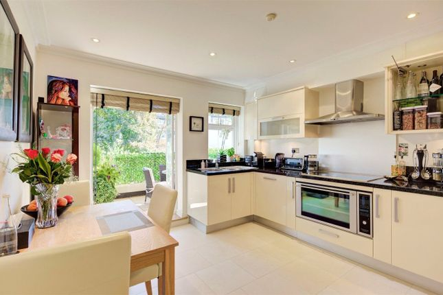 Thumbnail Flat to rent in Mountview Close, Hampstead Garden Suburb, London
