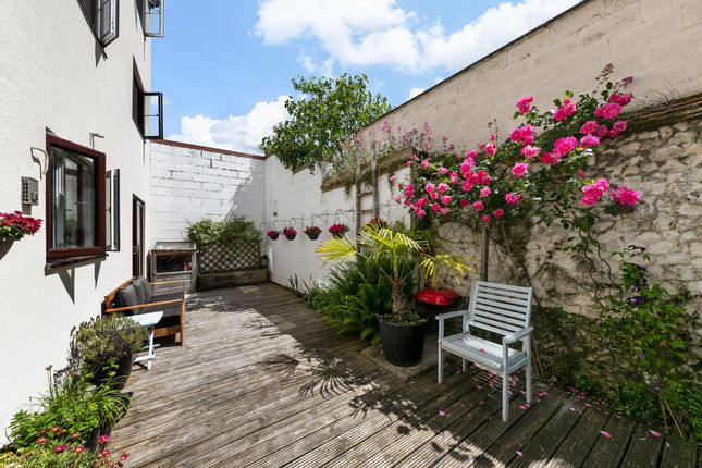 3 bed flat for sale in Rivermill Court, Kneesworth Street, Royston SG8