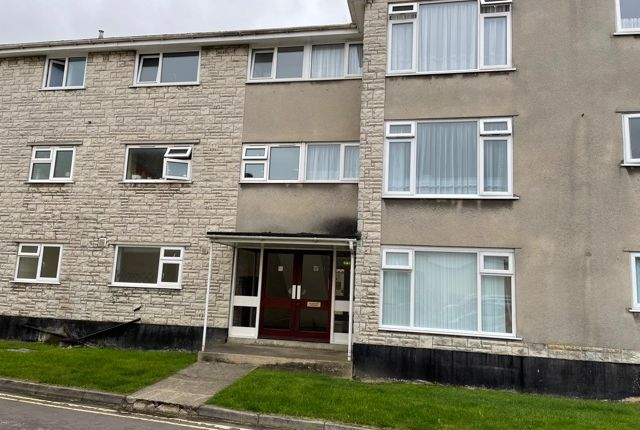 2 bed flat to rent in Glaston House, Street BA16