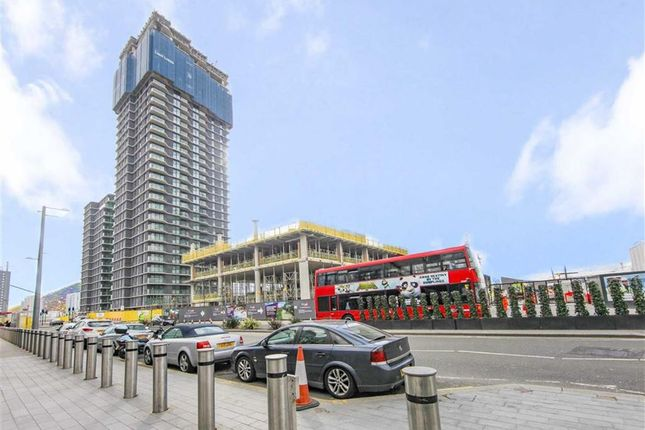 Thumbnail Flat to rent in Glasshouse Gardens, Stratford, London
