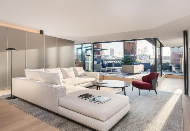Thumbnail Flat to rent in Wellington Street, Covent Garden