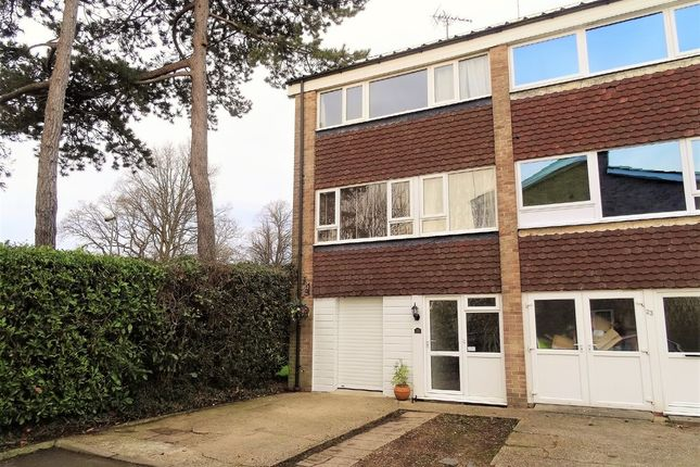 3 bed end terrace house for sale in The Wicket, Hythe, Southampton