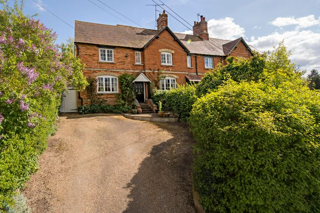Thumbnail Cottage for sale in Radclive, Buckingham