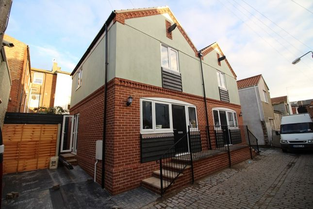 Thumbnail Semi-detached house to rent in Albert Road, Great Yarmouth