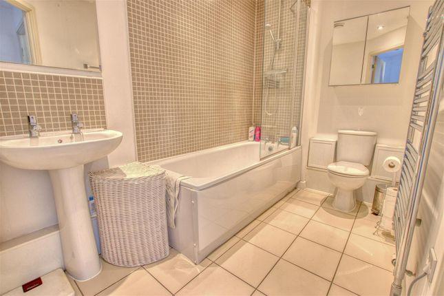 Bathroom of Todd Close, Borehamwood WD6