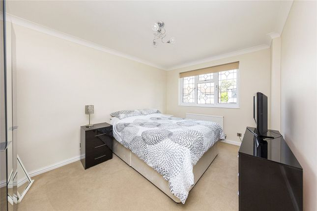 Picture No. 20 of River Drive, Upminster RM14