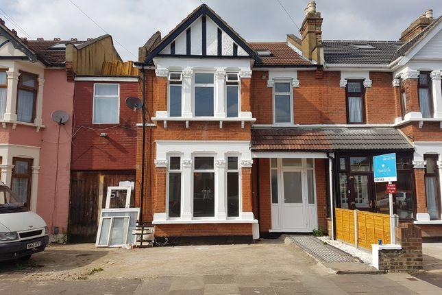 Thumbnail Flat for sale in Felbridge Road, Ilford